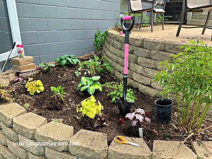 how to transform a small garden area