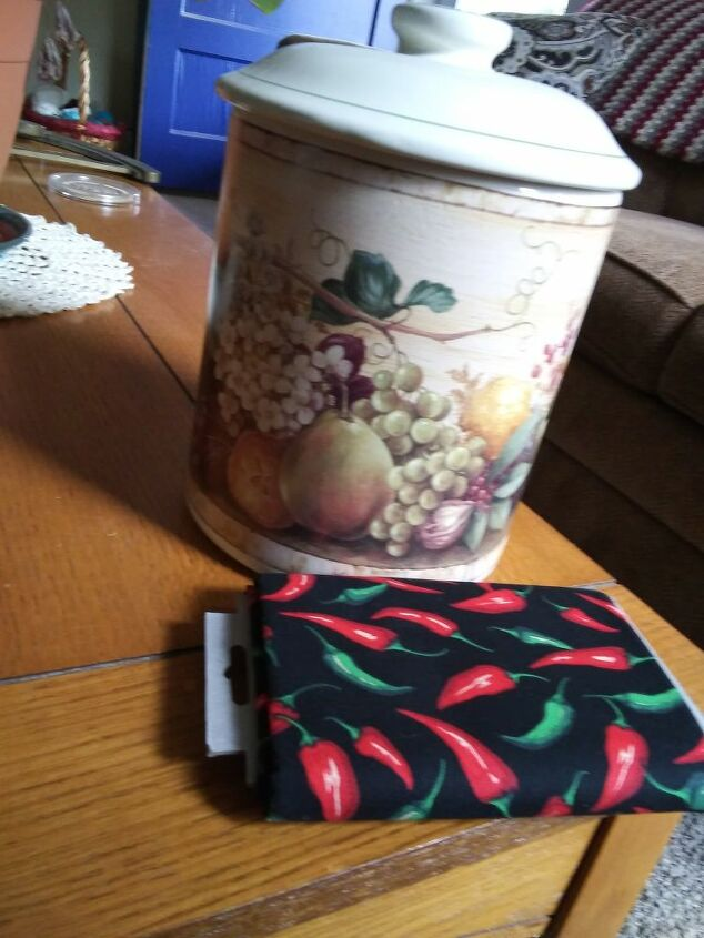 q modpodge on kitchen canisters