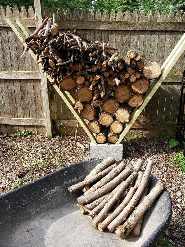 How to Make an Autumn Flower Campfire Yard Decorating ...