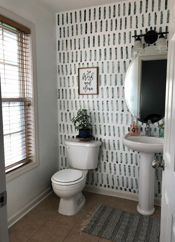 s 15 bathroom ideas you ll love showing off to your guests, Sponge accent wall yes you read that correctly