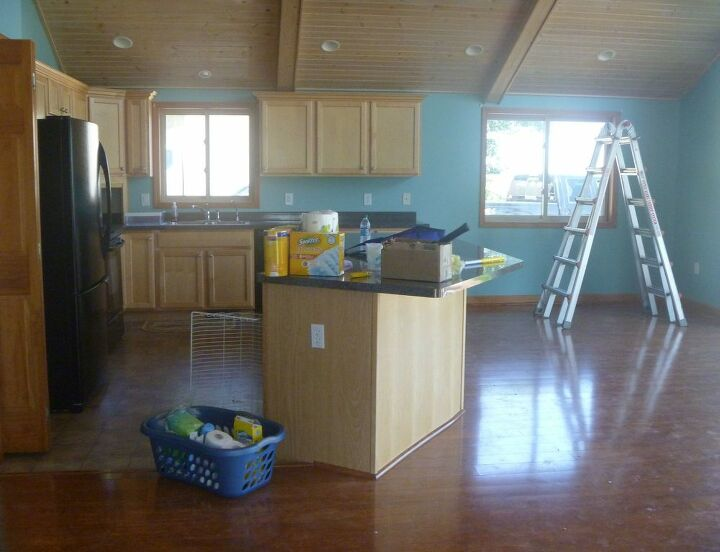 Our Kitchen when we moved in.