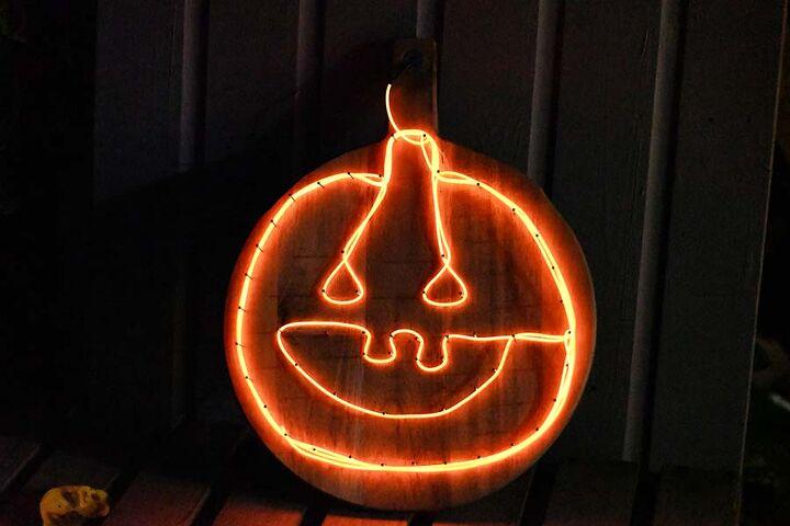 upcycled jack o lantern pumpkin light sign