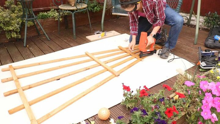 how to make hang wooden trellis