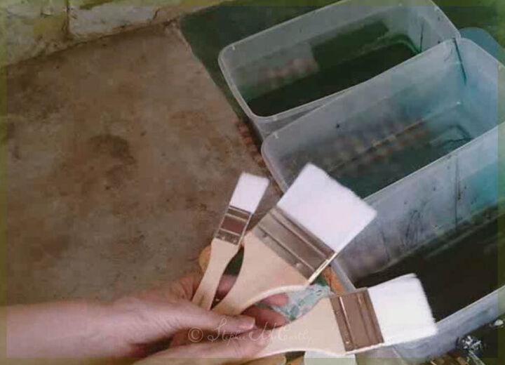 paint a concrete floor with faux marble tiles