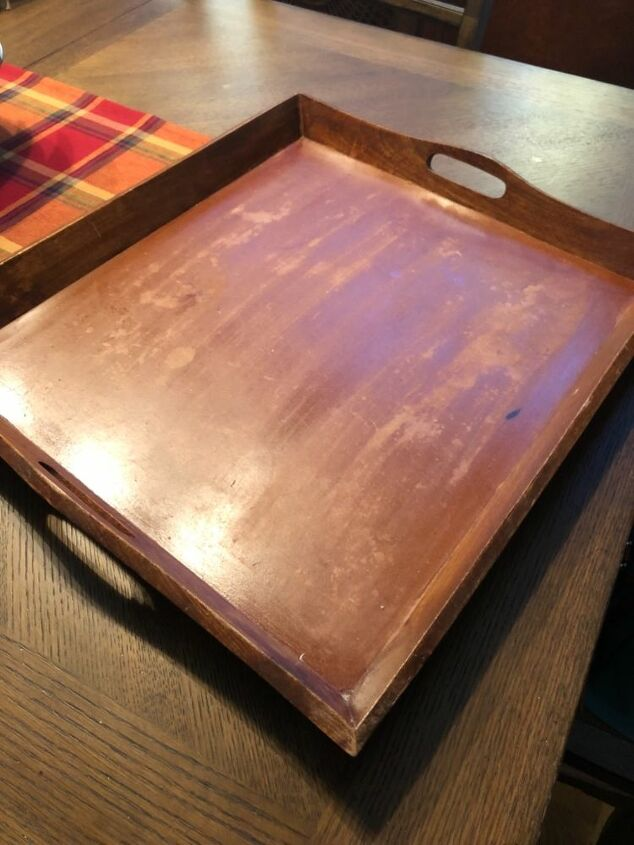 q where can you place use large wooden trays