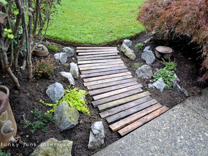 20 Inspirational Ideas for Creating a Beautiful Outdoor Walkway