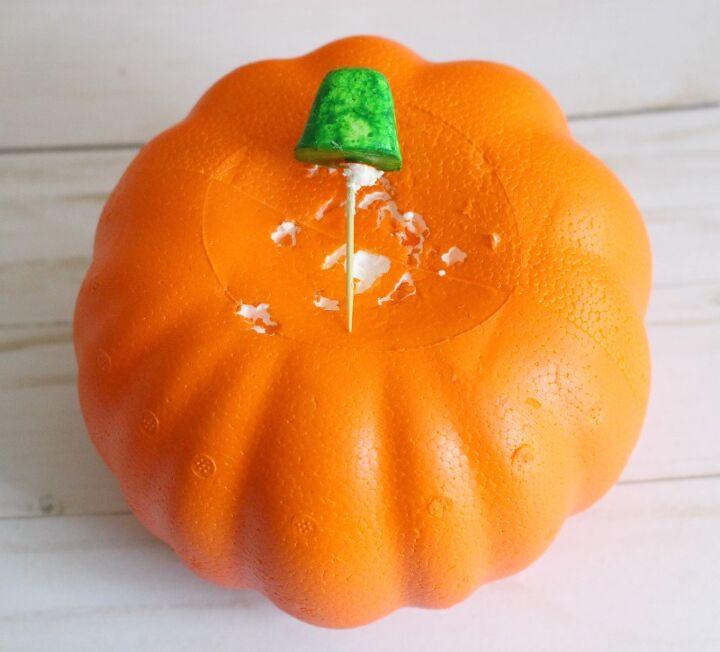 rae dunn inspired dollar store chalkboard pumpkins for halloween