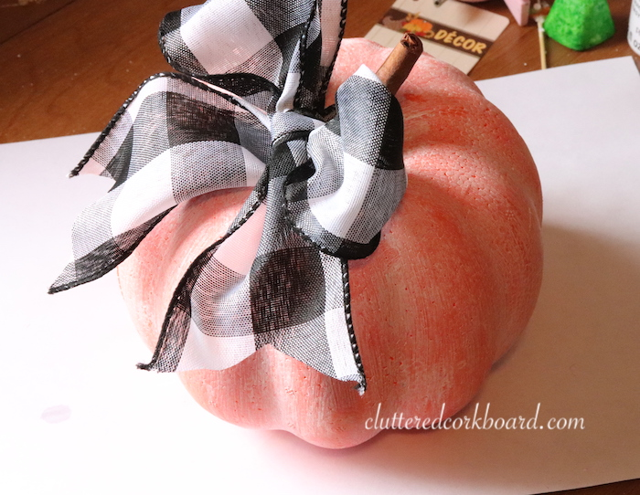diy updating a dollar store pumpkin to farmhouse style decor