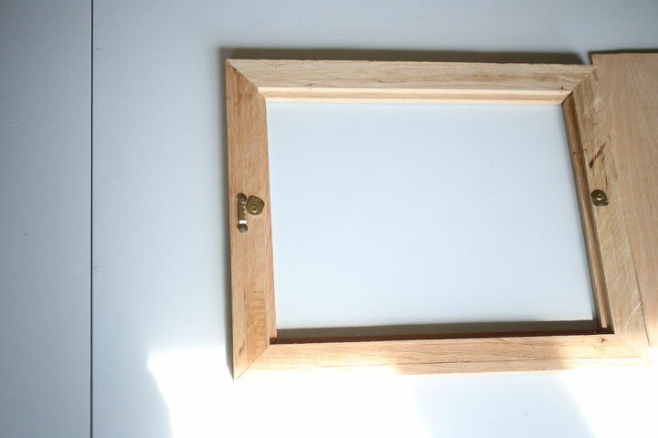 diy picture frame from scrap flooring