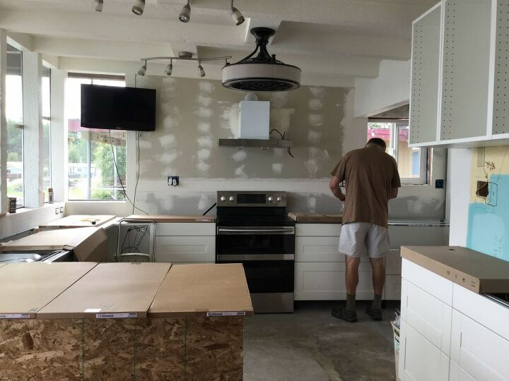 new kitchen range backsplash