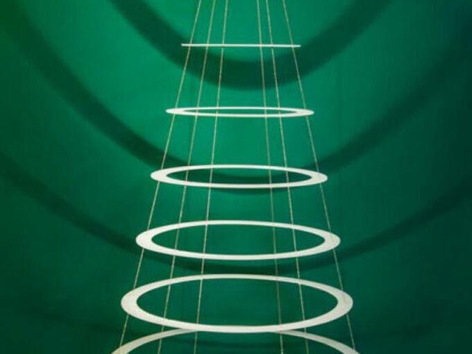 q christmas tree ring