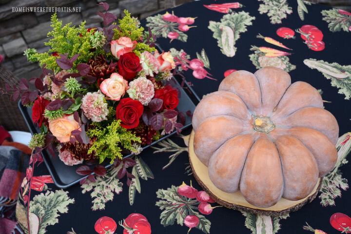 Floral arrangement top for pumpkin