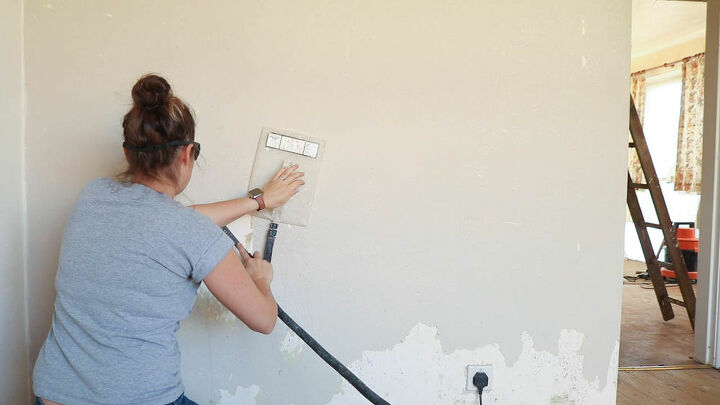 how to use a wallpaper stripper safely