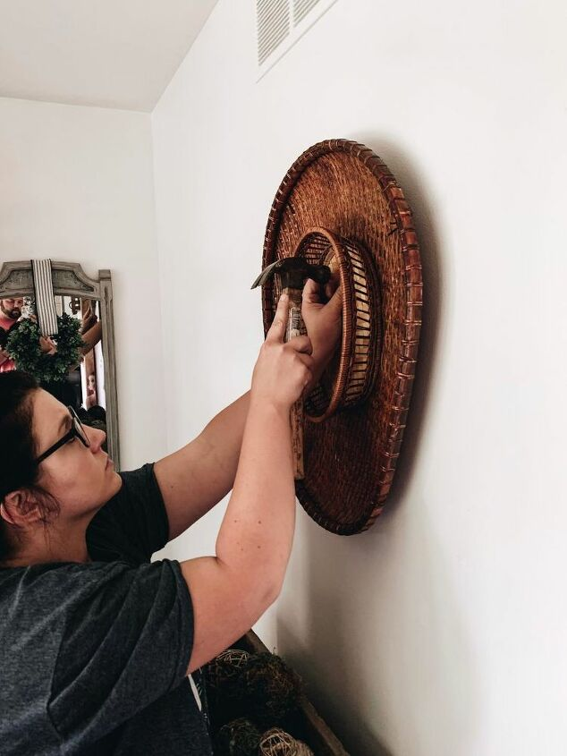 how to make a thrifty basket gallery wall