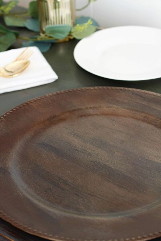 diy wood grain plate chargers