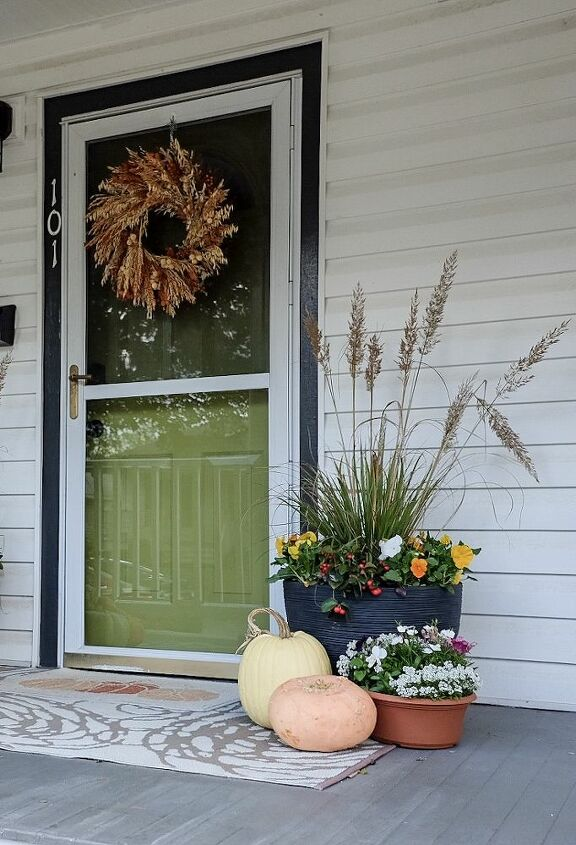 fall planters that will come back in the spring