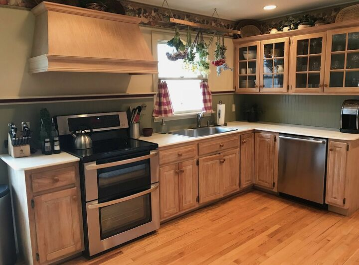 how to paint wood cabinets with chalk paint