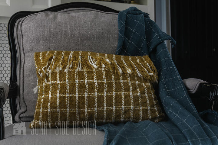 how to make a fringed envelope pillow