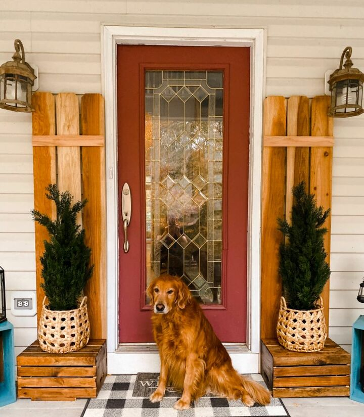 frame your front door with fence pickets
