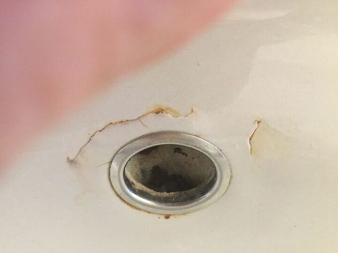 q how do you repair small cracks in a sink the sink is a gray kohler