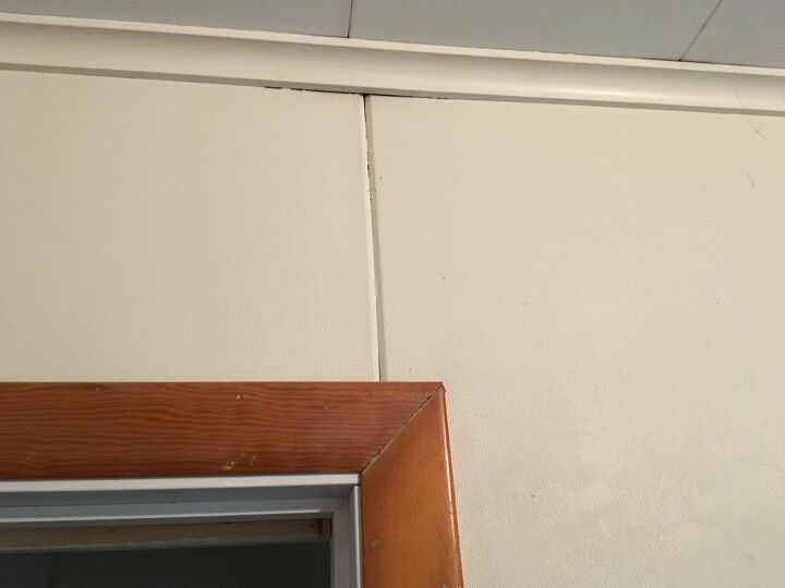 q how to reduce eliminate texture on walls