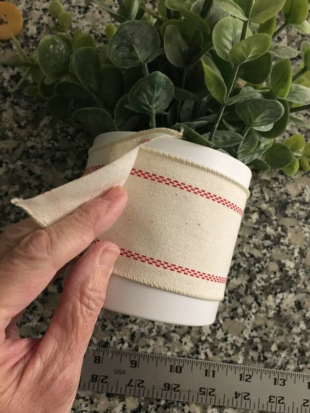 a simple holiday accent for your simple planter