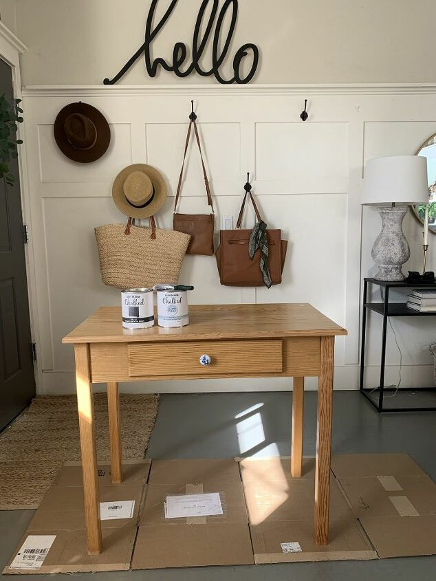 thrifted desk makeover with rustoleum chalkpaint