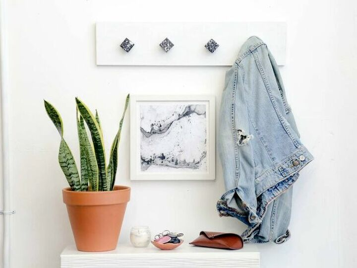 Make Your Home More Welcoming With These Entryway Coat Racks