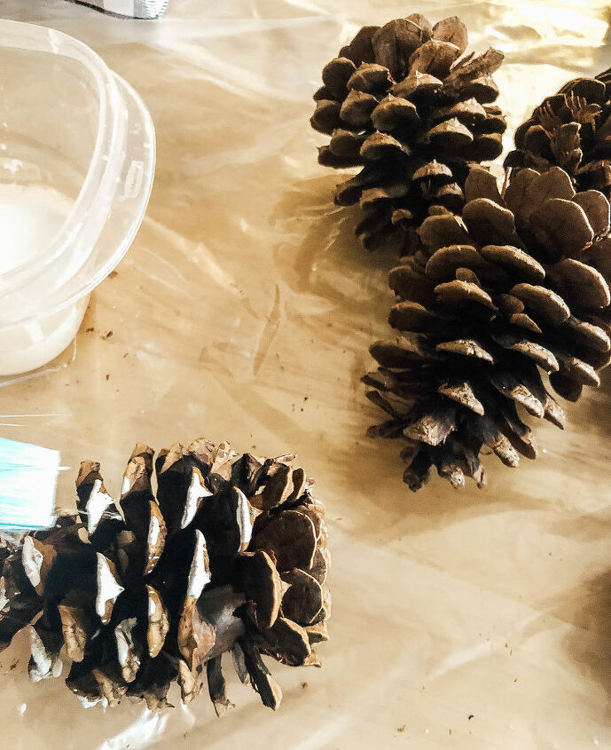 easy pine cone door swag