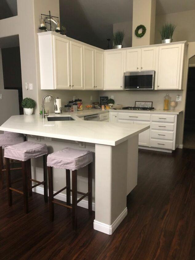 q kitchen peninsula