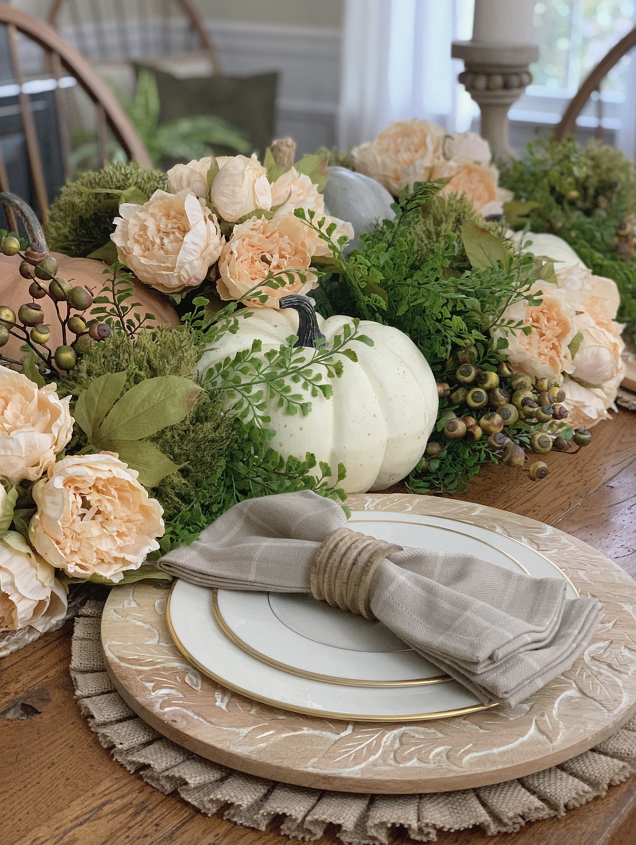 s 11 gorgeous thanksgiving table ideas for you to copy this year, Neutral Fall Tablescape Ideas