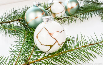 Easy Kintsugi Christmas Ornaments