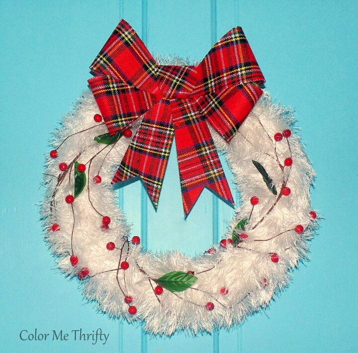 5 minute repurposed scarf christmas wreath