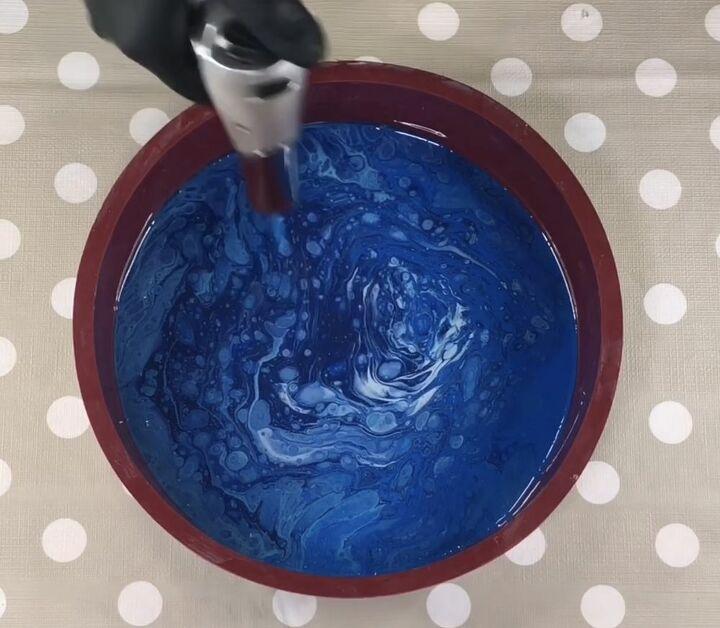 paint skin resin clock