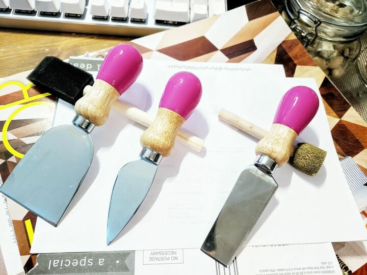 paint dipped cheese knife set