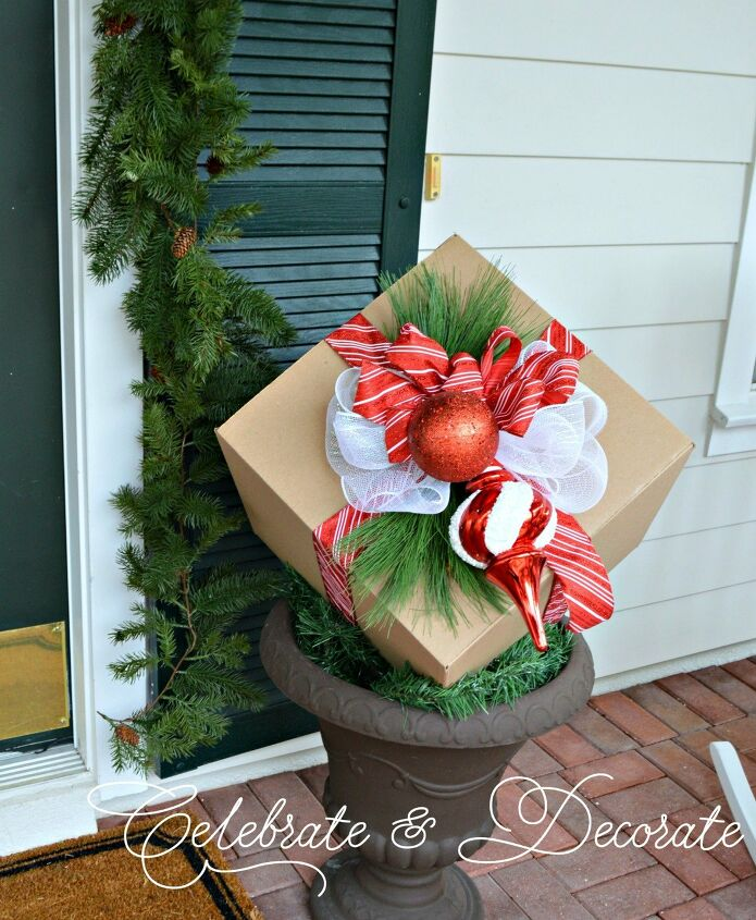 s 17 ways people are repurposing items to make christmas decor, Christmas Decorations With Cardboard Boxes