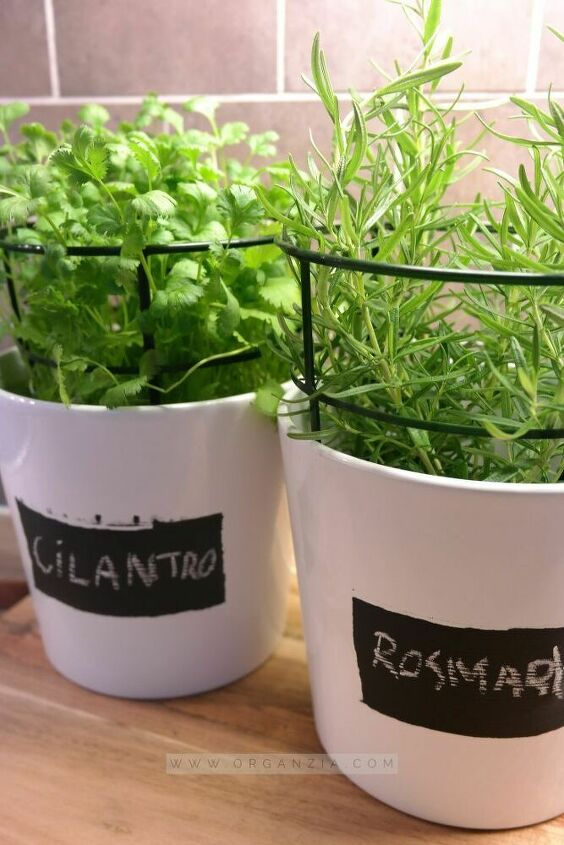 herb pot planters with chalkboard labels