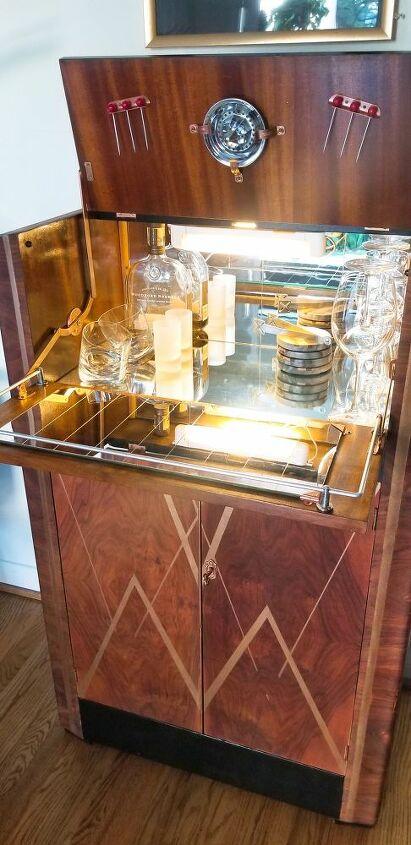 30 s liquor cabinet ready to shine again