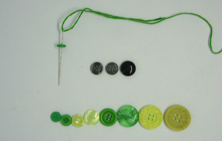 how to make a button christmas tree decoration