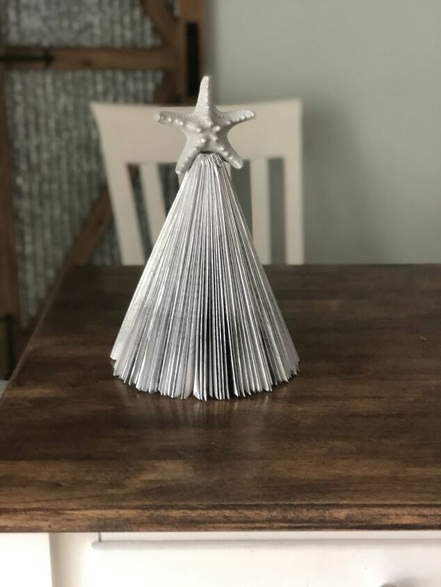 upcycle folded book christmas trees