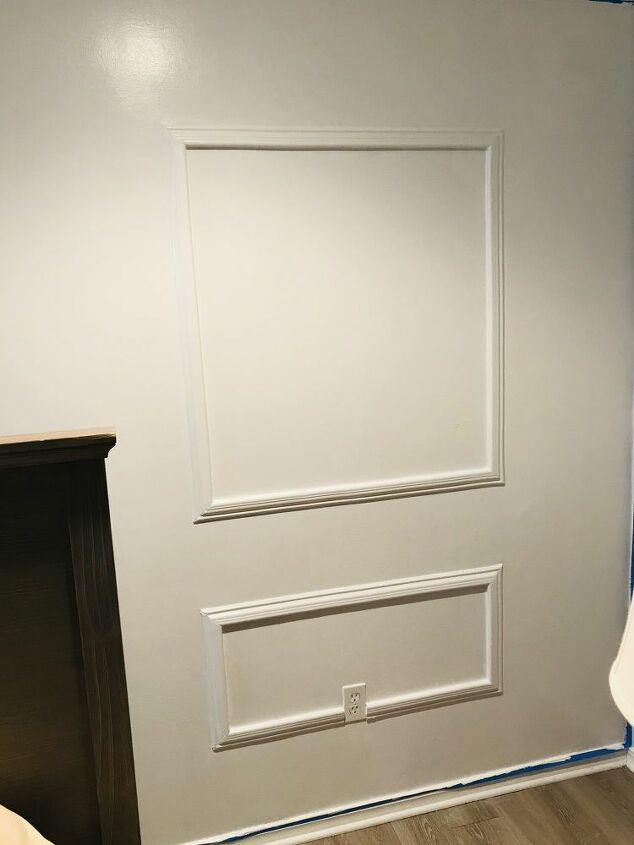 how to apply peel and stick picture moulding with scissors