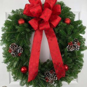 Make an easy yet beautiful wreath for the holidays!
