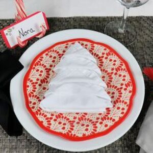 Dress up your Christmas table on a budget!