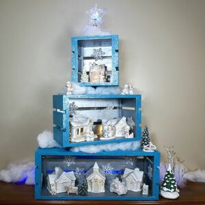 Make your own crates for a Christmas display!