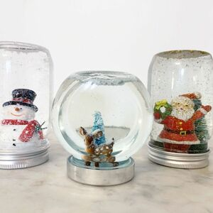 DIY the cutest snowglobes from jars