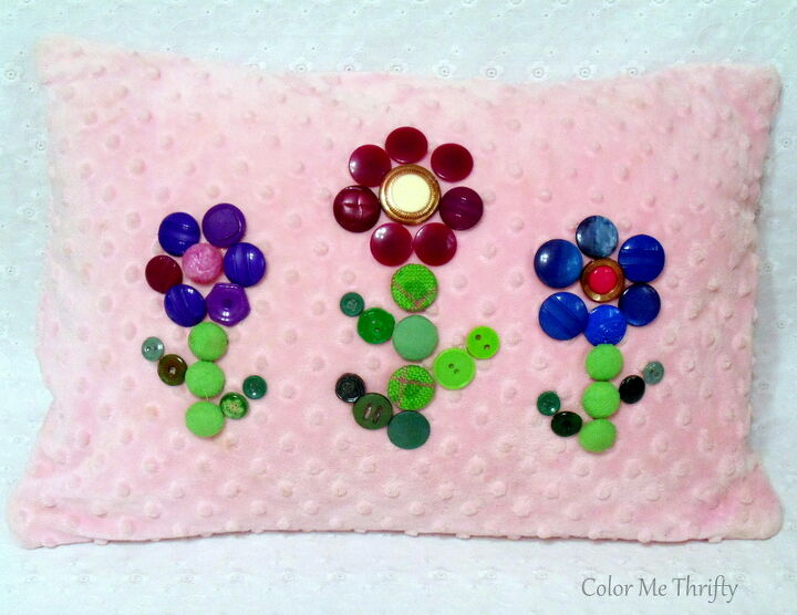 dress up a pillow with buttons