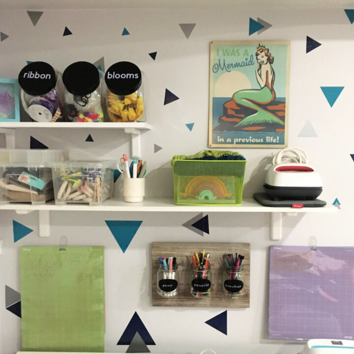 diy geometric accent wall using removable vinyl