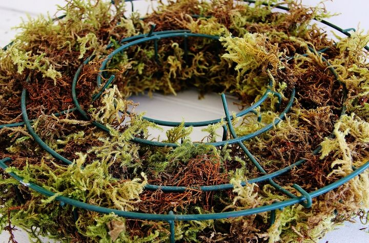 how to create a wreath with living herbs