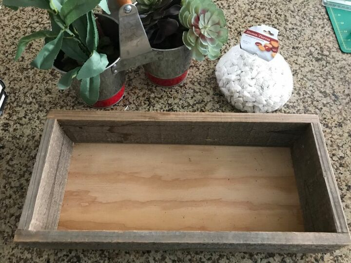 dollar tree succulent filled wood box