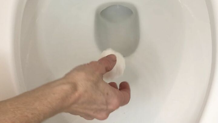how to make bathrooms smell good